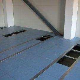 Elementeistä rakennettu Fortumin lattia